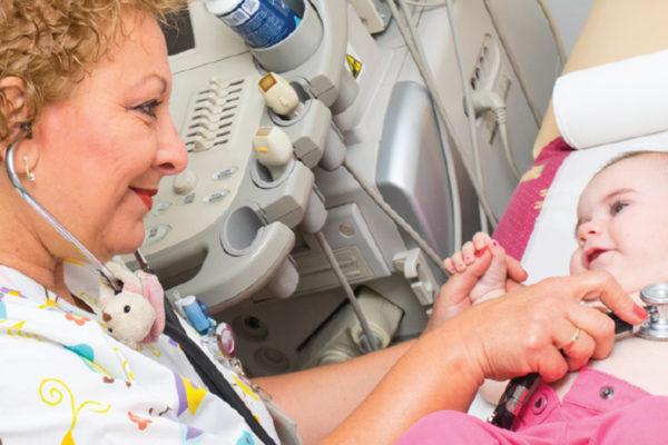 Лекар со големо срце за детските срца