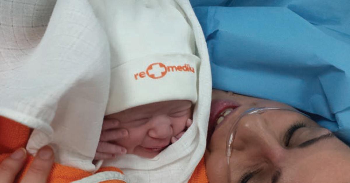 """Анестезиолозите на """"Ре-Медика"""" прават животни спомени – првите слики на бебињата"""